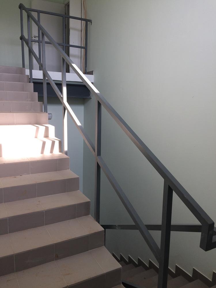 изготовление металлических перил для лестниц