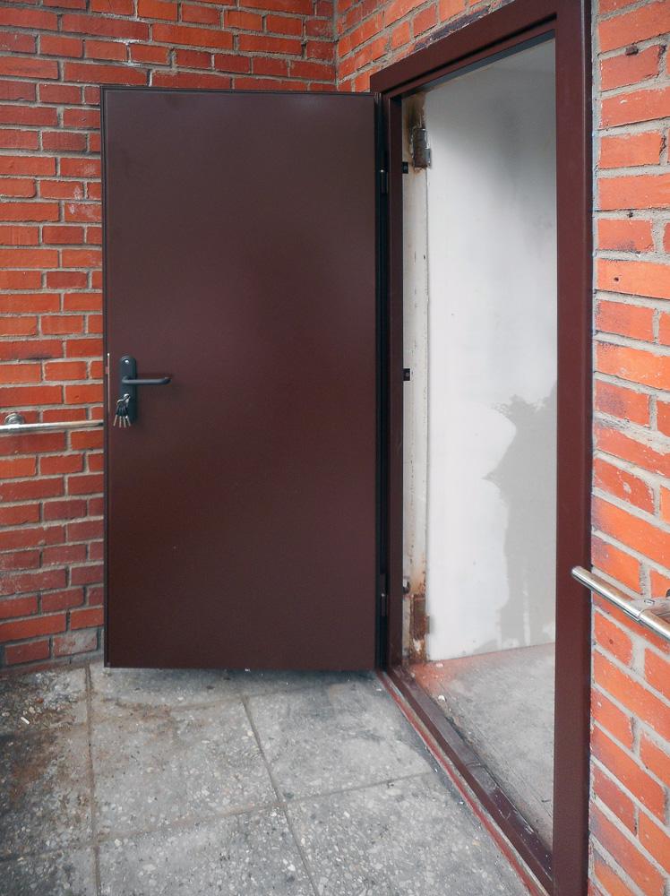 техническая дверь от производителя