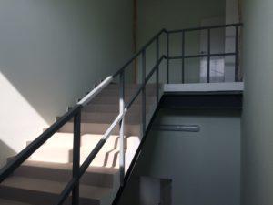 перила для лестниц, монтаж перил