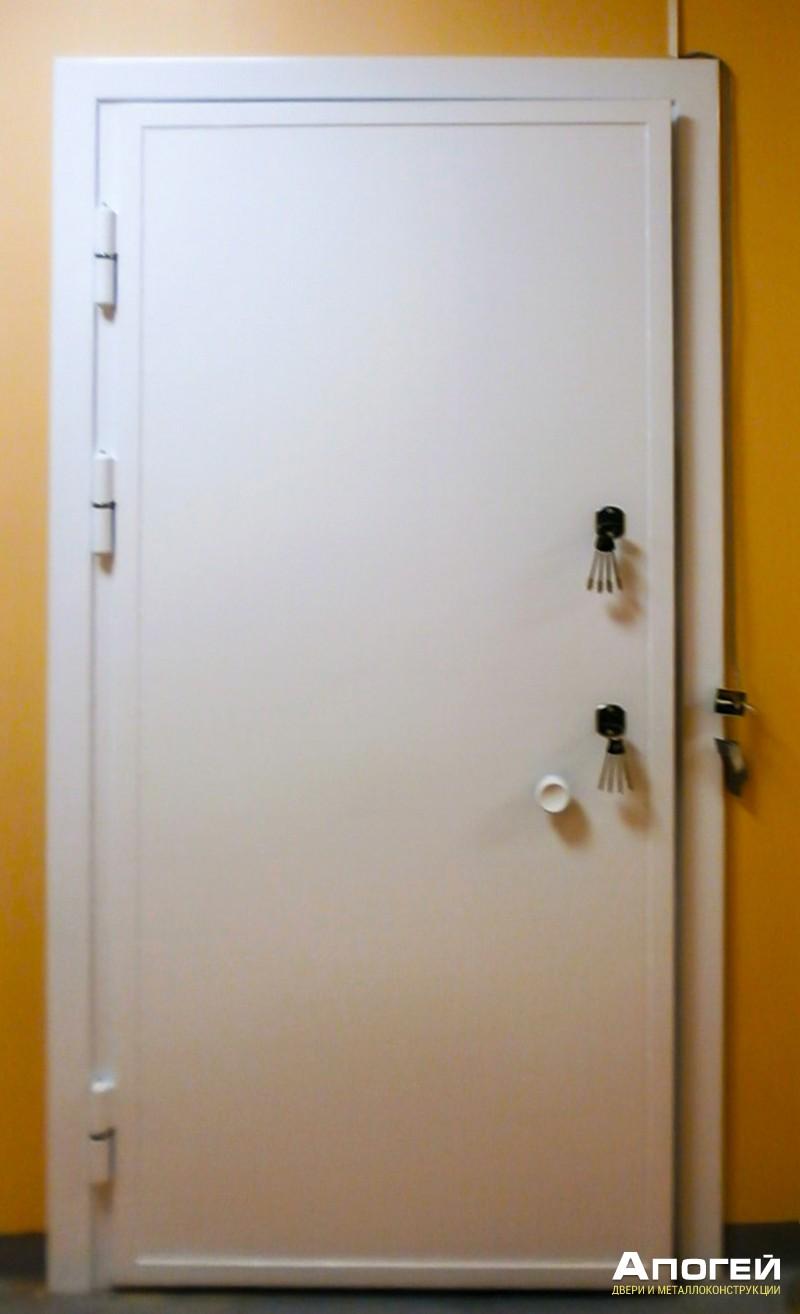 дверь в комнату хранения наркотиков