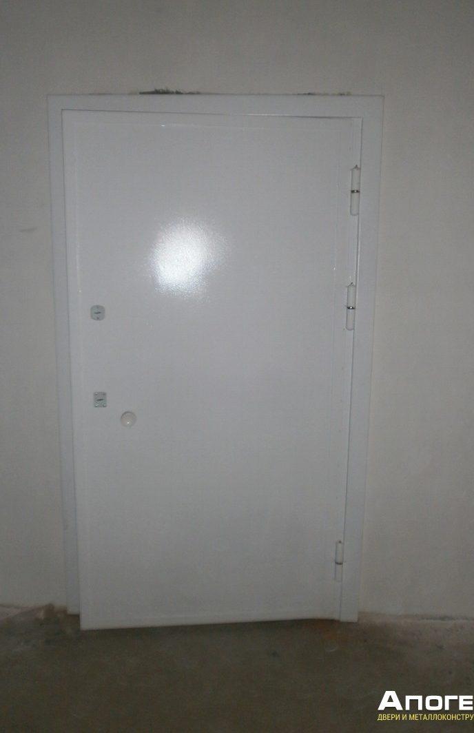 металлическая дверь в КХН