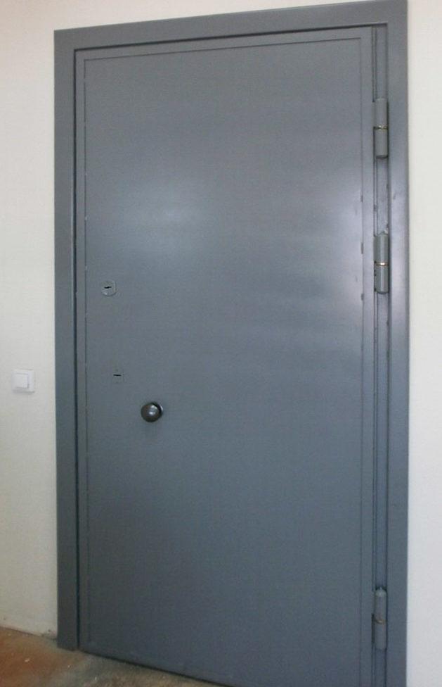 дверной блок в КХН